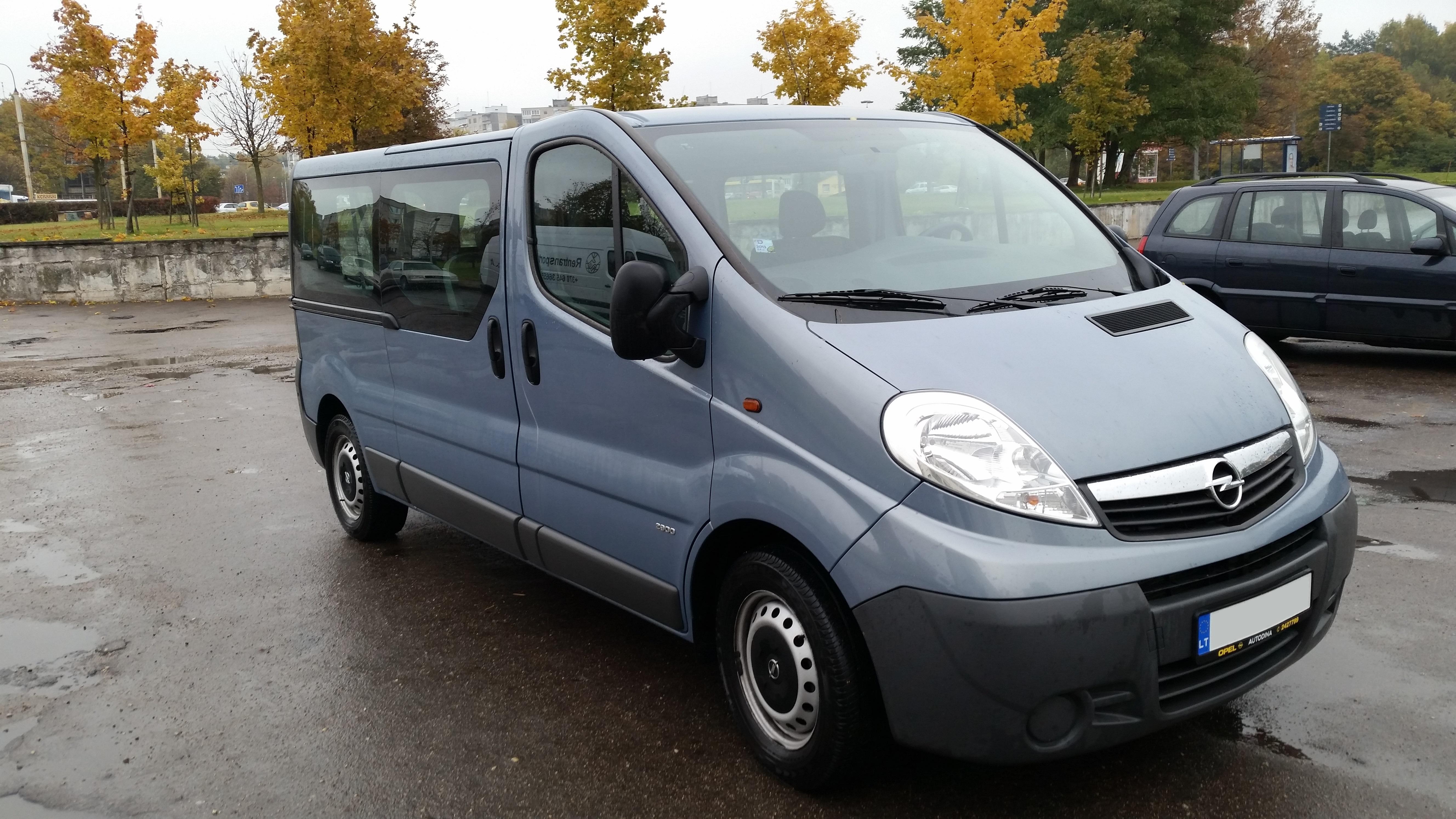 Opel Vivaro 2012m. 8 vietų mikroautobuso nuoma Vilniuje